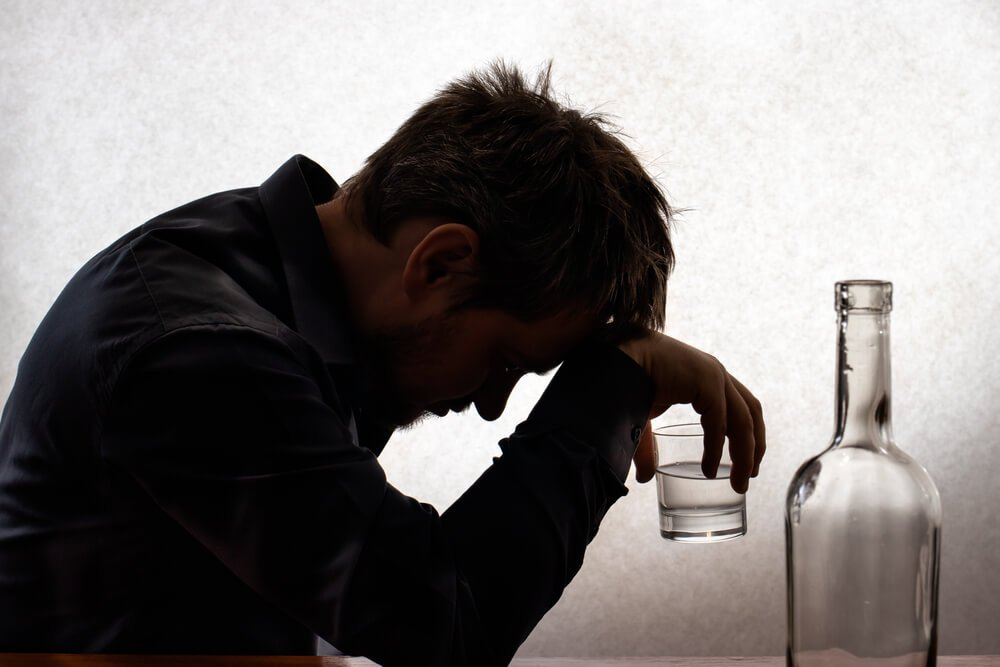The Dangers of Detoxing from Alcohol at Home Resurgence Behavioral Health